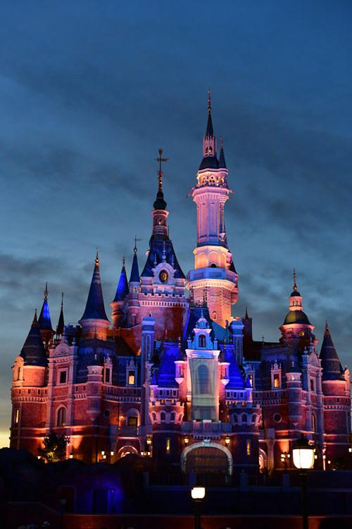 shanghai disney castle 1