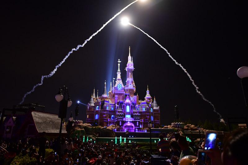 shanghai disney castle firework 6