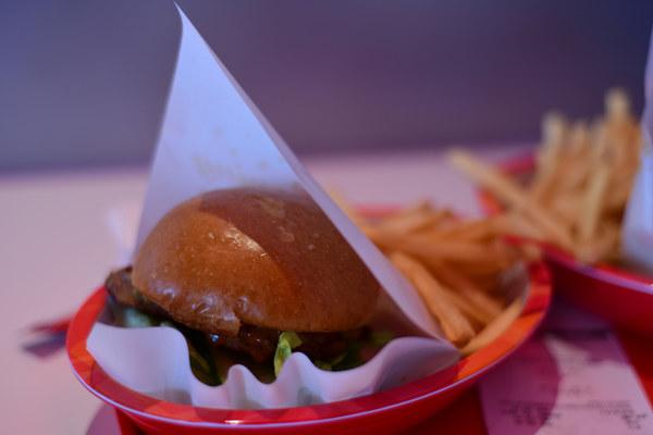 shanghai disney hanburger